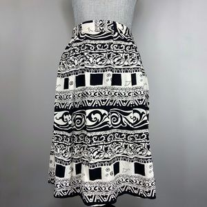 Vintage black and white pattern pleated skirt